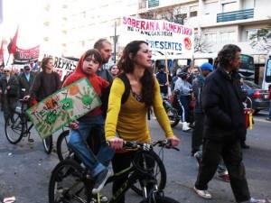 Montevideo marcha contra la megaminería